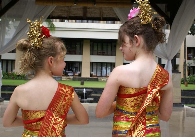 Balinese dress back